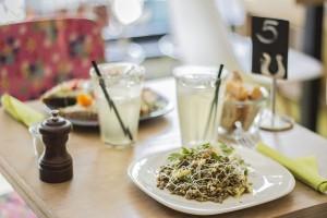 Pipaillon conserverie insolite à Bruxelles, cantine bio, fruits et légumes en bocaux