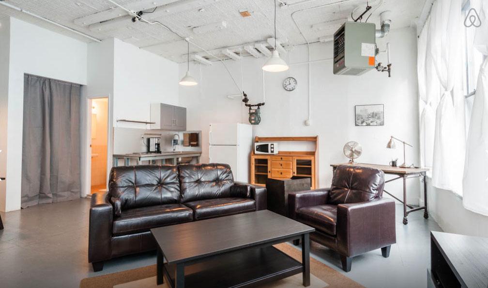 airbnb s 39 envole bruxelles please surprise me. Black Bedroom Furniture Sets. Home Design Ideas
