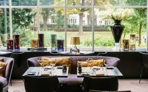 The Hotel, à Bruxelles. Hotel panoramique de luxe pour une nuit romantique dans le uptown. Un partenaire Please Surprise Me!