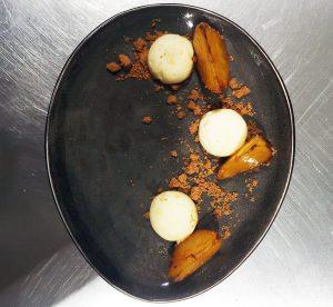 Un restaurant exclusif pour deux à Bruxelles. La cheffe vous sert un repas gastronomique. Le concept le plus romantique de Belgique. Un diner inoubliable