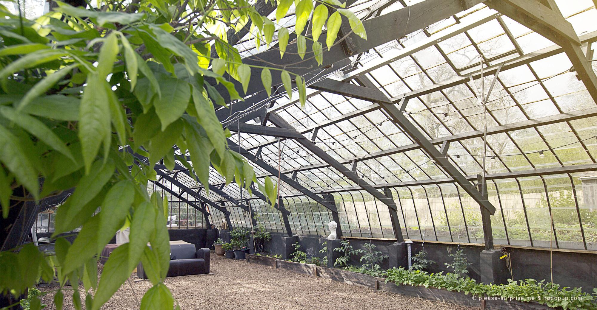 Le palais de verre à Rosières, une serre contemporaine en location pour des événements privés
