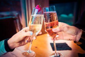 Dîner au champagne dans la Galerie de la Reine